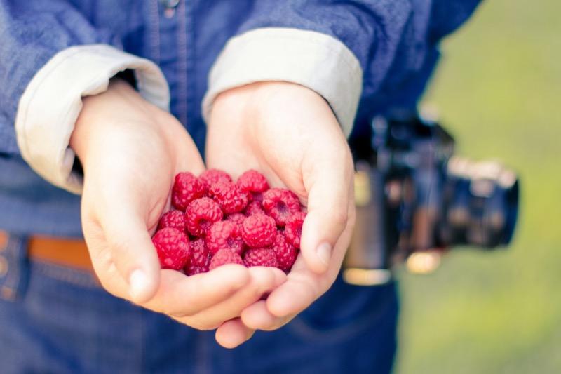 Healthy-eating-raspberries-21263