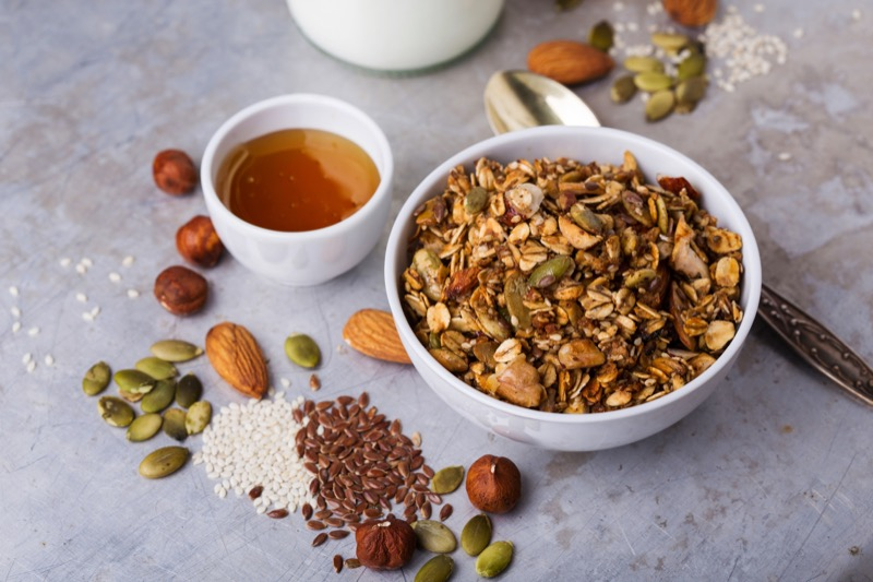 Crunchy muesli with maple syrup and honey