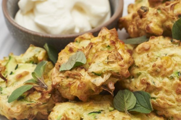 Air Fryer Zucchini Sweetcorn And Haloumi Fritters Nicholas Duell © 2020 Blog Dsc 0614