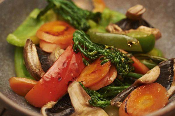 sweet sour vegetable stir fry nicholas duell © 2020 blog dsc 0948